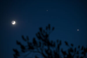 Saturday night's trio of the moon, Jupiter and Venus.